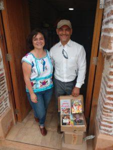 Dona un libro Dona Amor en San Jose Hidalgo Atzompa